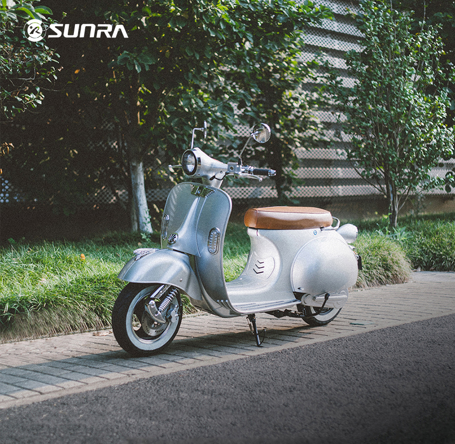 SUNRA Ronic smart scooter boasts of LED lights